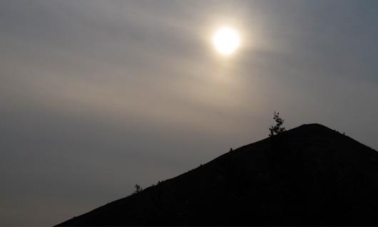terril-noir-et-soleil.jpg
