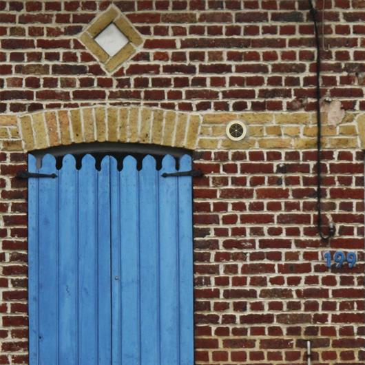 17-la-maison-aux-volets-bleus.jpg