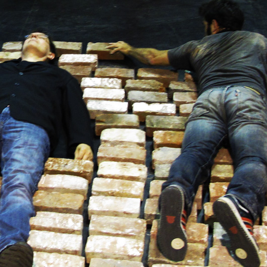 2-macon-et-briques.jpg