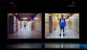 Pas-de-basketteur aux vidéoprojecteurs