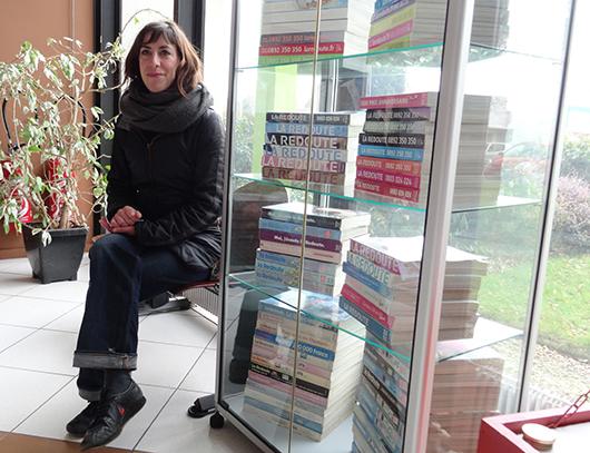 camille-et-la-vitrine-aux-catalogues-bis-530.jpg